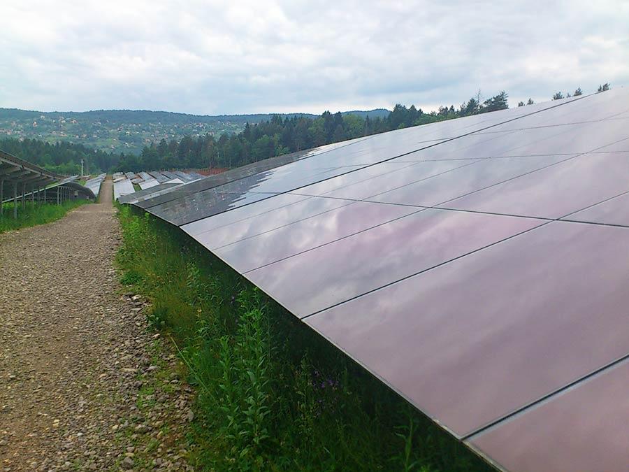 Solarna elektrana snage 2 MW Črnomelj Slovenija 2012